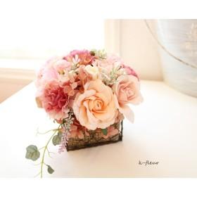 ティピンクのバラとカーネーションのアレンジ