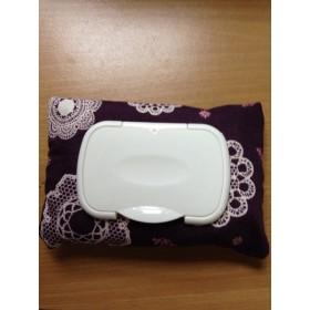 紫のウエットティッシュケース