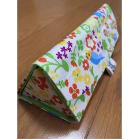 155)【送料込】折りたためるメガネケース(インコと花)