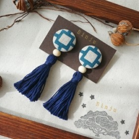 花ブロック(紺色)/紅型タッセルイヤリングorピアス