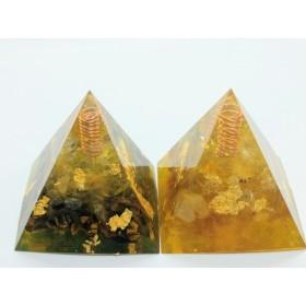 最強金運&金運UP☆ピラミッド型オルゴナイト(メモリーオイル封入)
