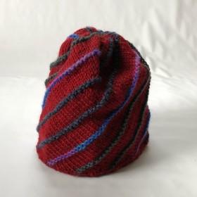 手編みニット帽☆斜め編み赤茶白黒ライン