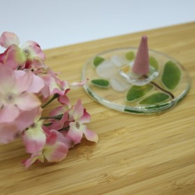 白い花のお香立て フュージング