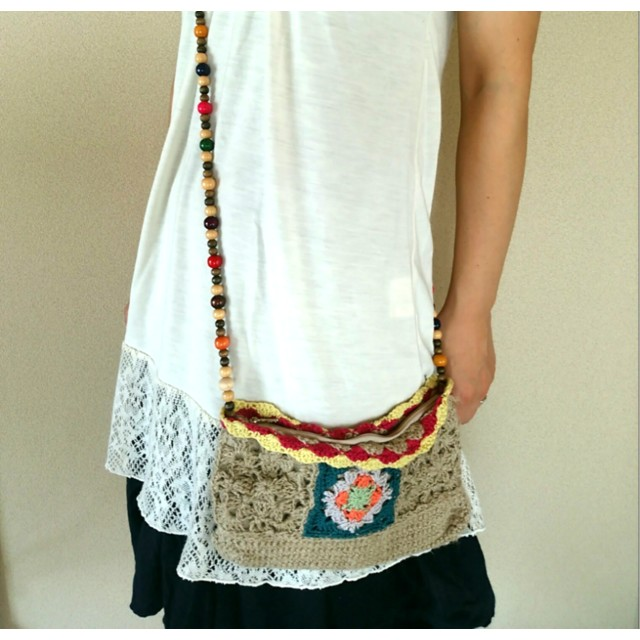 編み模様がかわいいバッグ