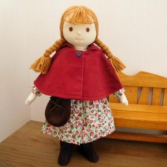着せ替え人形 いちご柄ワンピースと赤いケープの女の子 布 ドール 着せ替え 34cmサイズ