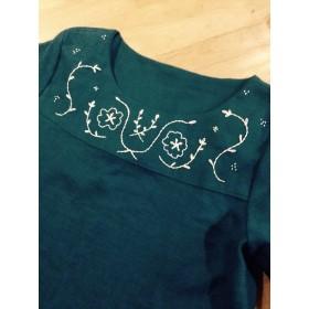 麻の刺繍ワンピース