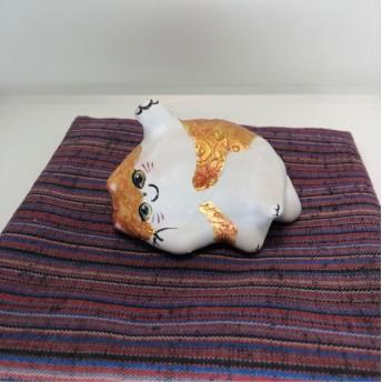 果報は寝て招け猫