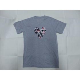 グレー地ハート桜柄Tシャツ・メンズMサイズ☆送料込み