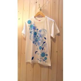 フリーサイズ☆爽やかで女性らしいのに甘くない♪さらっと着やすいボタニカルモチーフの手描きTシャツ