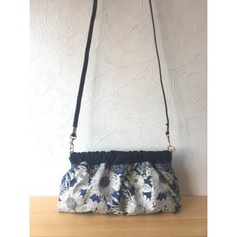 紺色花柄ショルダーバッグ リバティ