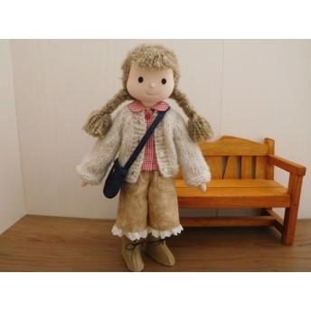 布人形 着せ替え人形 ギンガムブラウス モヘアのカーディガンの女の子 34cmサイズ T-31065