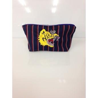 ガァオー トラの刺繍が入ったポーチ