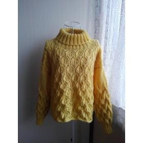 袖コンシャスなセーター