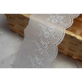 日本製1.4m!幅6.2cm刺繍のきれいな綿レース 白 花束柄(13106)