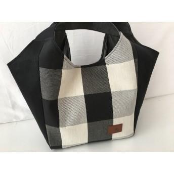 【送料無料】しかく底の手さげトート☆白黒チェック&黒帆布