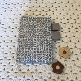 ほぼ日手帳カバー オリジナルサイズ ミナペルホネン スリーピング ローズtambourine グレー ファブリック使用