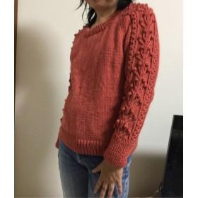 手編み ピンク プルオーバー 袖アラン