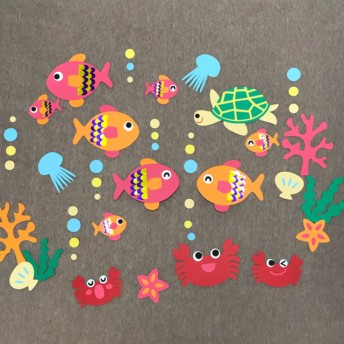 8月 壁面 海 かめ かに さかな クラゲ サンゴ 水族館 保育