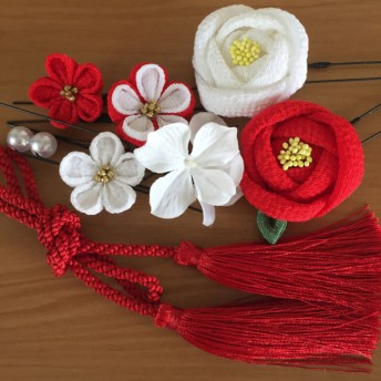 【再販】つまみ細工 髪飾り 椿 成人式 卒業式 七五三 結婚式