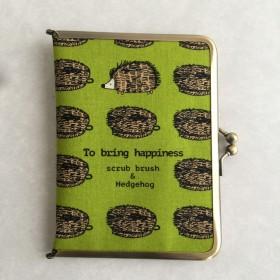 母子手帳ケース がま口 ハリネズミ たわし グリーン お薬手帳
