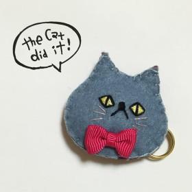 パフ猫カブトピンブローチ (blue gray)