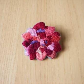 薔薇の刺繍ブローチ(赤)