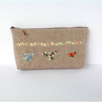 可愛い花の刺繍のペンケース