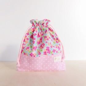 巾着袋 北欧の花ブルー・ピンクドット
