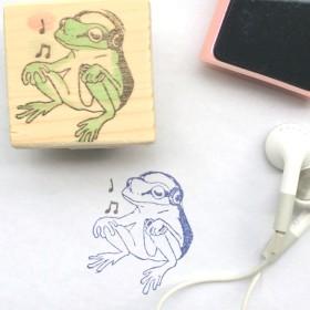 Listen to the music カエルはんこ