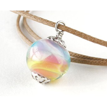 虹の小石*ガラスネックレス