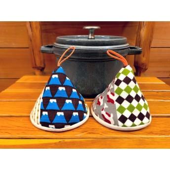 2個セット★三角鍋つかみ★staub ルクルーゼ等にいかがでしょうか? ミトン 鍋つかみ 北欧 デニムリメイク