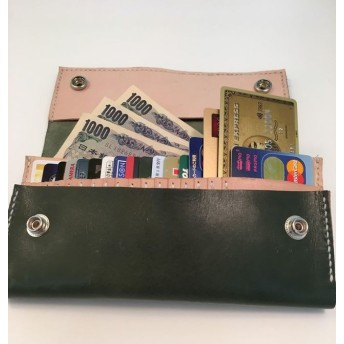 カードが沢山はいって小銭が超取り出しやすい長財布(緑)