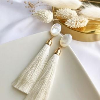 「結婚式」「ウェディング」【チタン】天然石 ホワイトシェルタッセル ピアス/イヤリング