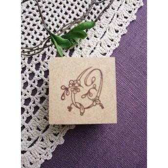 【SALE】イニシャルスタンプ「O」3cm角アンティーク復刻刺繍図案