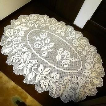 レース編み バラのテーブルクロス 白