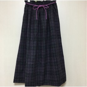 控えめピンク×グレーのチェック ギャザーふんわりスカート