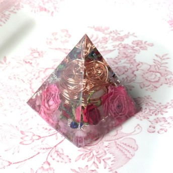 訳あり 10%off ピンクトルマリン ローズクォーツ 恋愛運 オルゴナイト ピラミッド