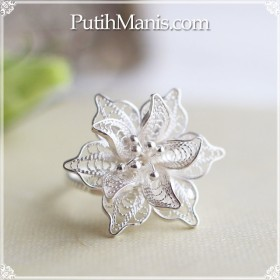【新作】ジャスミンのお花のリング|銀線細工の花びらが美しい。フリーサイズリング【silver925】 [ch69-si-r]