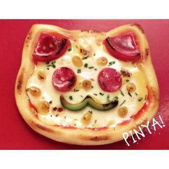 ■SALE■「ピニャ!」ネコ型ピザのブローチ/ヘアピン