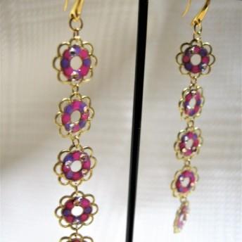 【再販予定なし・一点限り】ピンク系 小花が揺れるロングゴールドフックピアス