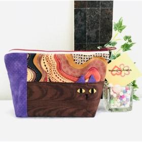 ぼんやり猫ちゃんポーチ 茶系 紫×茶色の波
