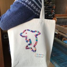 手織りパッチワークの帆布トートバッグ(イルカ)
