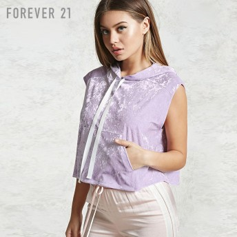 FOREVER21 ベロアノースリーブパーカー