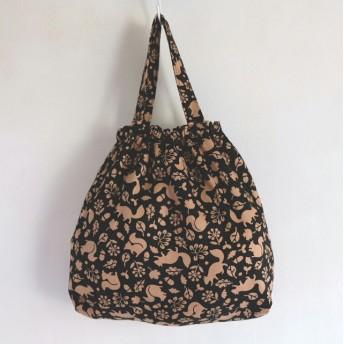 ブラウンりすのゴム口巾着バッグ☆給食袋・お道具入れ・エプロン入れ・上履き入れ・小物入れ・通園バッグ・オムツポーチ・パジャマ袋・お着替え袋