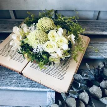 ピンポンマムとバラのアレンジ 敬老の日 グリーン 仏花 お供え ひな祭り 結婚祝 お誕生日お祝い 退職祝い プリザーブドフラワー