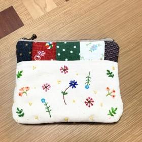 野の花刺繍のパッチワークポーチ(グレー)