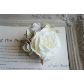 ホワイトローズとニュアンスピンクのコサージュ【ヘッドドレス・ヘアクリップ・結婚式・ヘアアクセサリー】