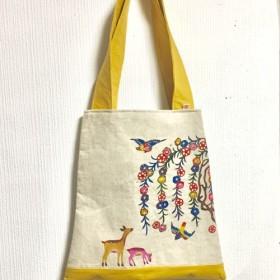 【日本国内送料無料】紅型/しだれ桜と親子鹿の手さげかばん/ビーズ付黄色