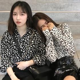 [55555SHOP]全2色 シャツ ブラウス プリント ゆったり 韓国風 カジュアル