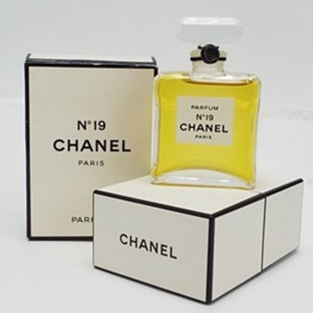 7033b290a0af シャネル 香水 未開栓 NO.19 パルファム ボトルタイプ 14ml 中古 CHANEL ナンバー19 女性